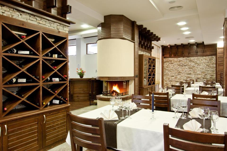 restaurant-small.jpg